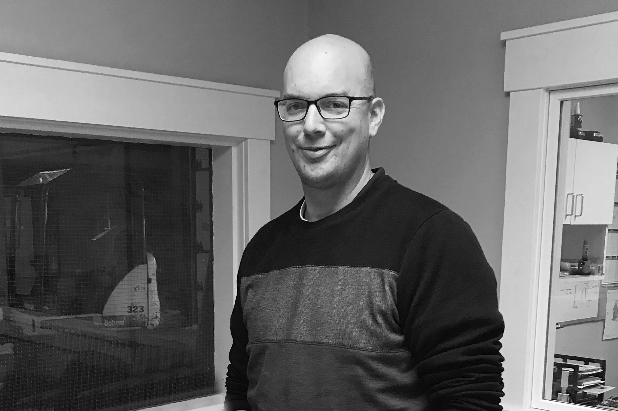 Tony Nijenhuis : Project Manager (x249)